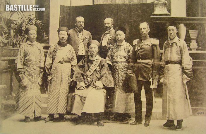 李鴻章出使期間在德國皇宮留影 (網上圖片)