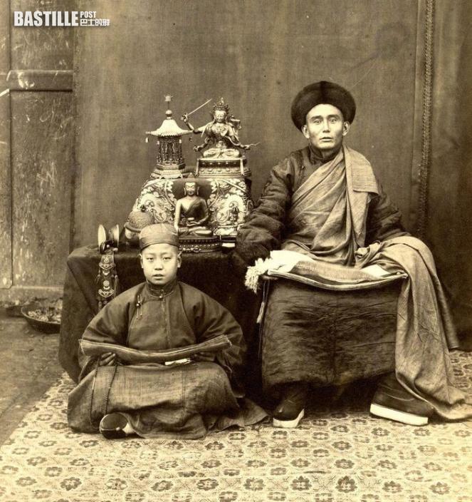 英國攝影師Thomas Child 在1870-1880年代拍攝的蒙古喇嘛 (網上圖片)