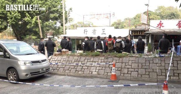 粉嶺和合石村發生兇案,警方封鎖現場調查。(郭志強攝)
