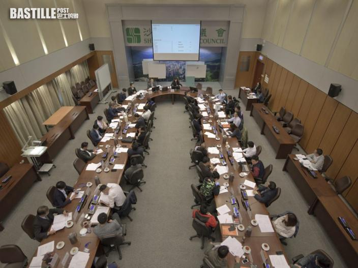 指區議員及選委會應被優先視為「公職人員」 林鄭:需按國安法宣誓
