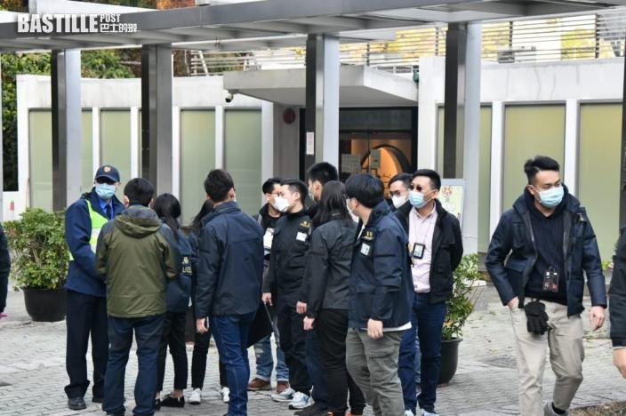 黑衣人向保安潑灑不明粉末 警員到中大校園搜證
