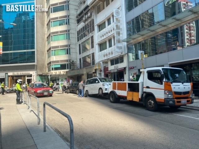 警港島區打擊違泊 發逾2500張牛肉乾拖走6車
