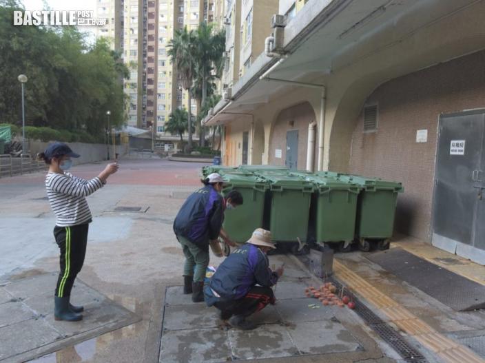 【奪命垃圾槽】山景邨街坊及同事自發路祭  悼念離世清潔工