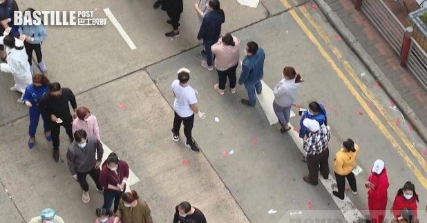 政府表示,昨日約6900人在佐敦「受限區域」內臨時採樣站接受檢測。(本台記者攝)
