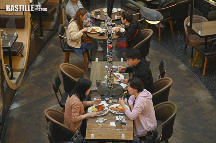 不少食肆年初七晚預約已滿 酒店自助餐排到下周