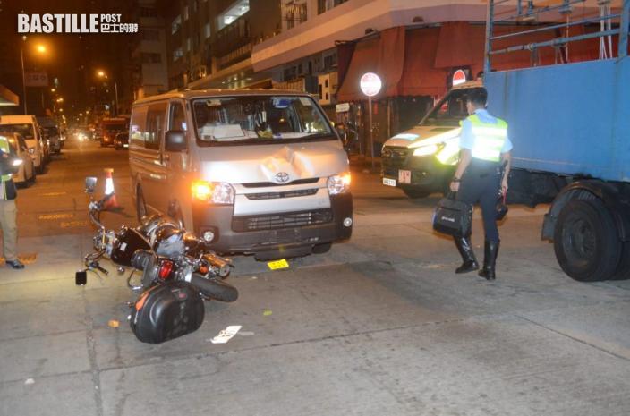 長沙灣客貨車與電單車相撞 鐵騎士與女乘客受傷