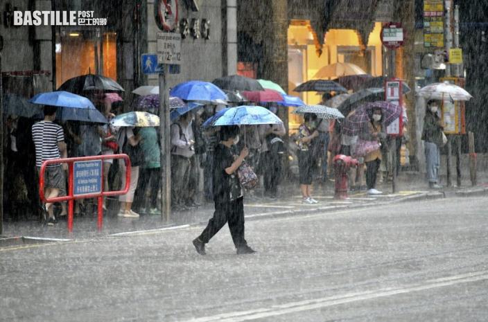 冷鋒抵港局部地區雨勢較大 明早最低氣溫17度