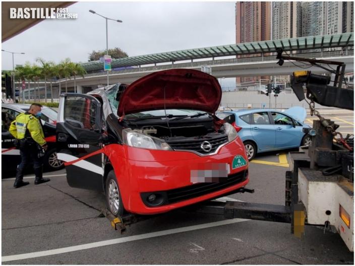 圓方對開佐敦道兩車相撞 的士反肚兩司機傷