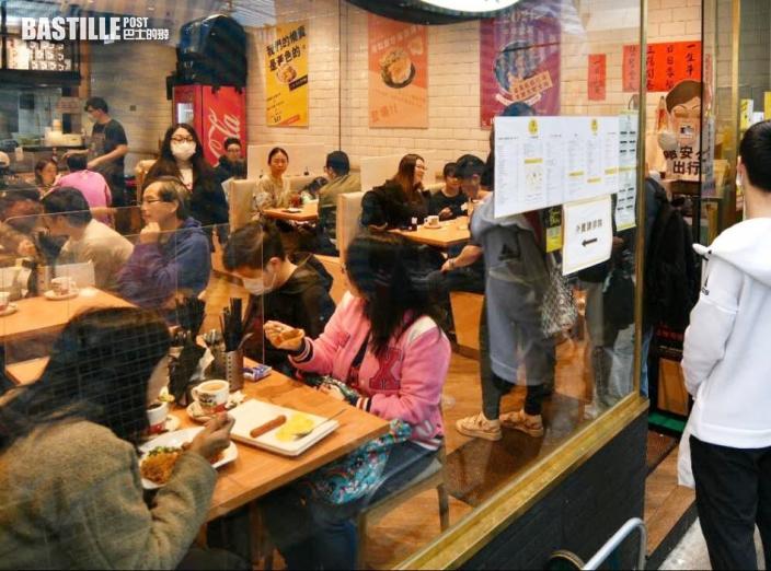黃傑龍:食肆爆群組屬個別情況 數字反覆屬預料之內