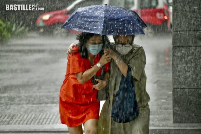 天文台料今年異常暖及較少雨 或有5至8個風暴趨近香港