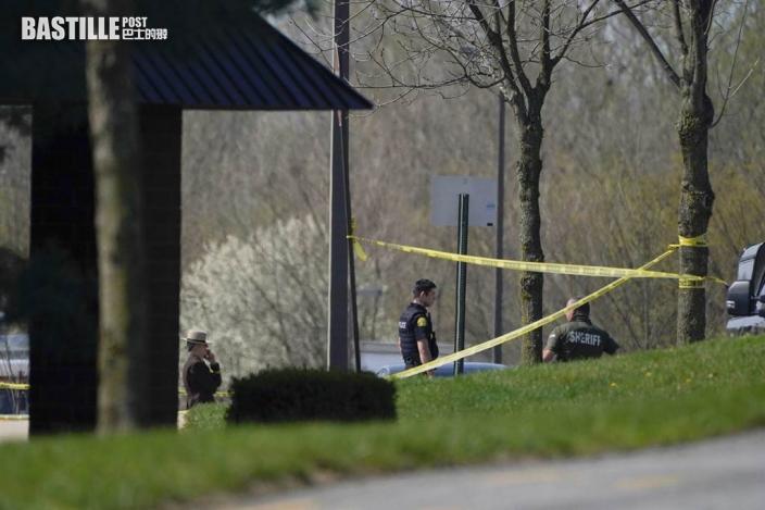 美國海軍軍醫槍傷兩名同僚被擊斃