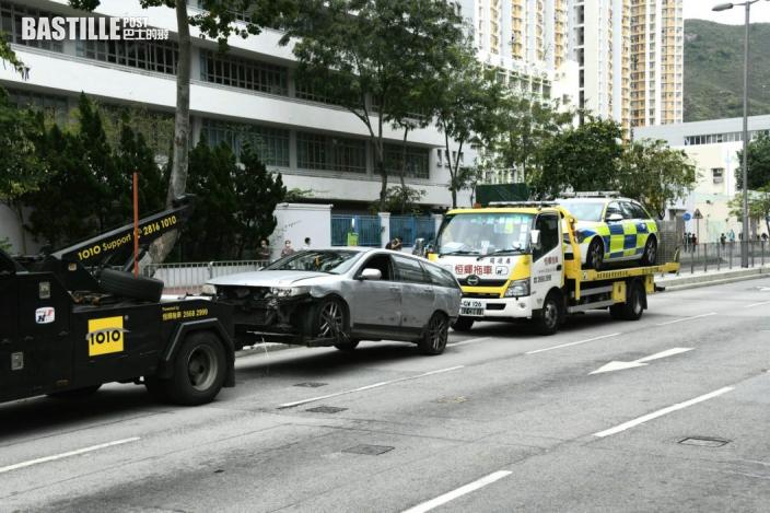 【片段曝光】黑幫地盤工瘋狂駕駛撞6車遭警開槍制止 右肩受傷情況危殆