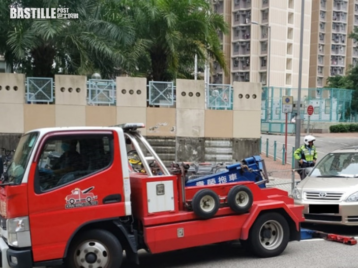 東九龍嚴打車輛違泊 警發2241張告票及拖走8車