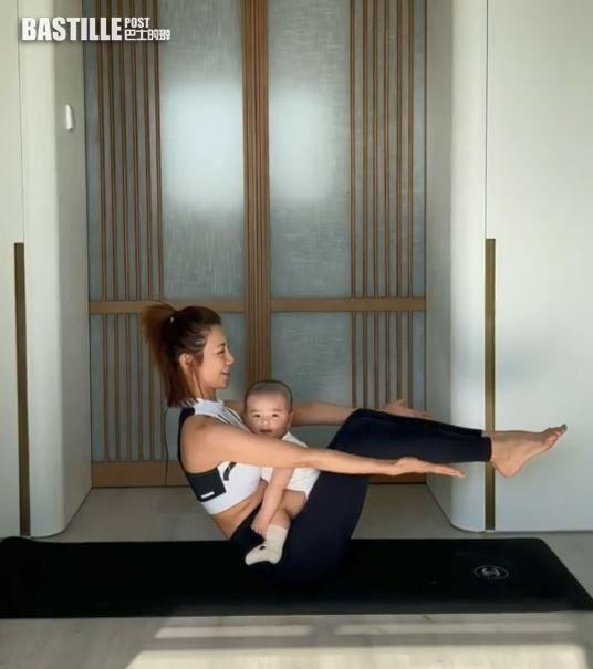 【母子Gym】 負重20磅減磅增肌最有效      倪晨曦抱5個月囝囝做運動