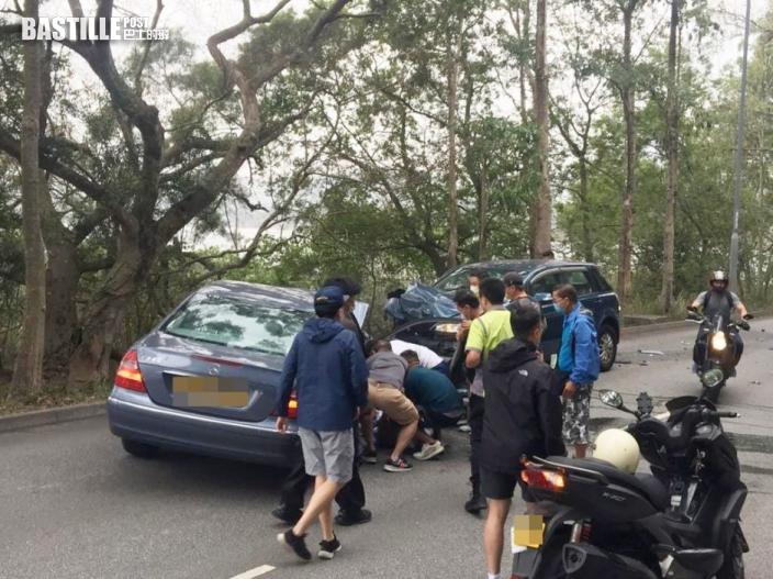 大埔汀角路兩車迎頭相撞 4人受傷