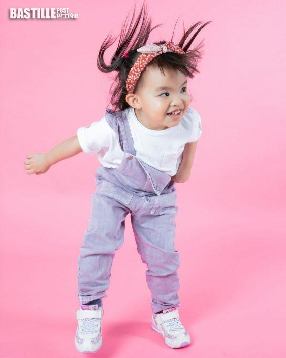 【細女靚咗】晒粉紅Cute Cute影樓相       熊黛林幸福宣告孖女三歲嘞