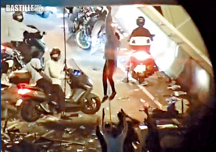 O記拘「理大圍城」踢保21人 包括「家長車」司機及DSE生等