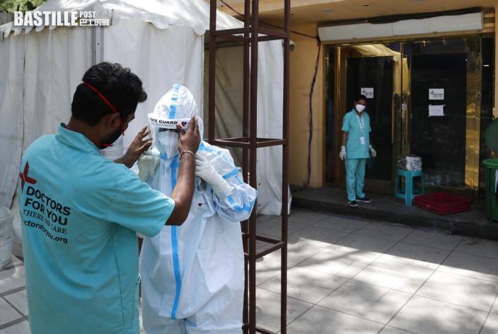 印度疫情如煉獄夫斬死染疫妻後跳樓 19歲男生確診後輕生