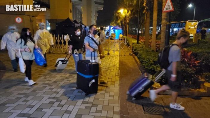 東涌映灣園11座居民通宵撤離 至清晨仍未完成