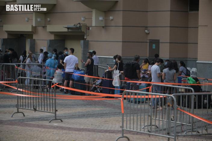東涌映灣園11座居民通宵撤離 至今午仍未完成