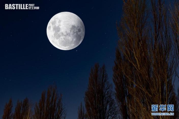 這是5月26日在紐西蘭瓦納卡湖地區拍攝的「超級月亮」。