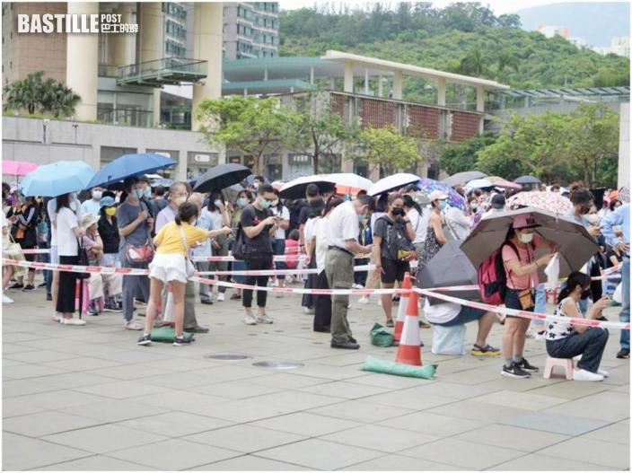 艷陽下打蛇餅東薈城兩女子不適 有東涌居民跨區檢測