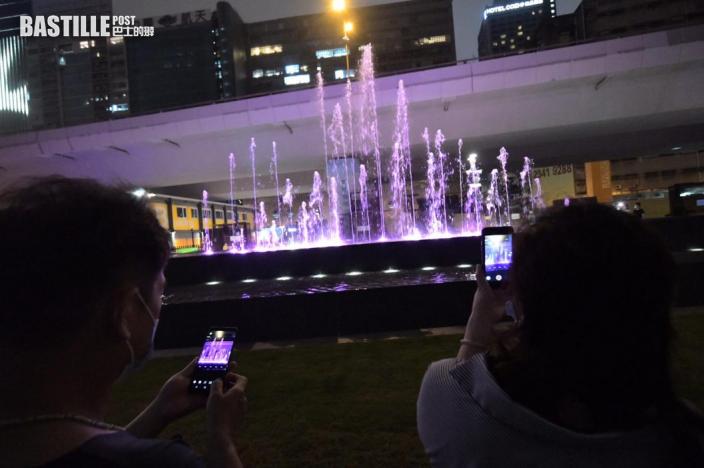 觀塘音樂噴泉重開有保安駐守 兒童戲水市民打卡