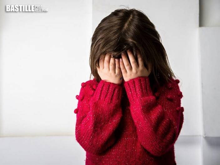 【Juicy叮】外傭掛住傾懶理5歲女大哭 遭路人批評反斥對方多管閒事