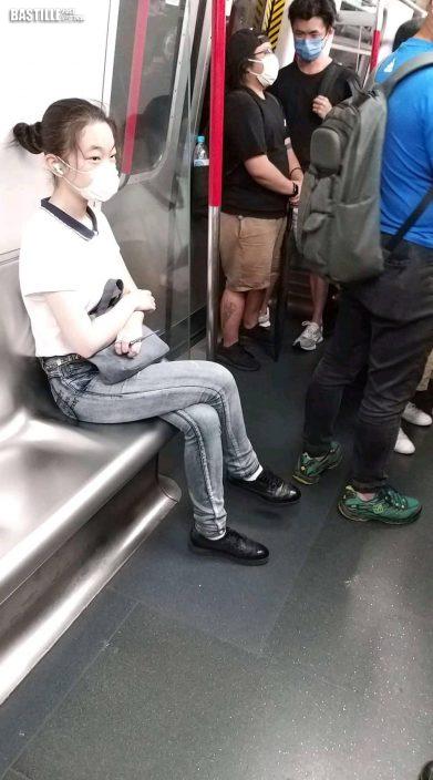 女子持7吋長利剪搭港鐵 嚇壞乘客慌忙報警