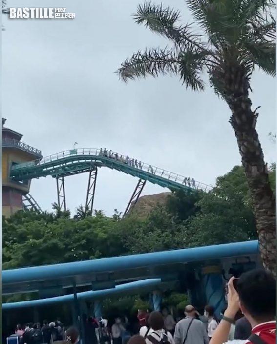 珠海長隆機動遊戲懸停半空 遊客手牽手沿軌道走下來