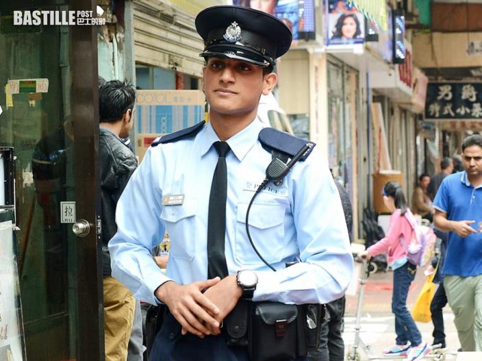 【Kelly Online】 靚仔巴裔警員成警隊奇兵 放蛇百發百中