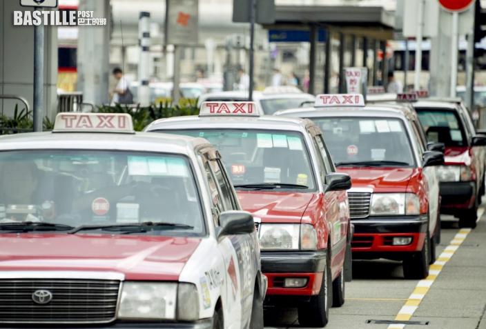 【Juicy叮】的士司機無起表開價300元謊稱Uber 酒後乘客落車欲理論即逃去