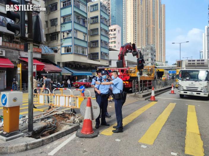 路政署工人旺角換燈柱 2男女走避跌倒受傷