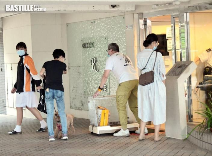 區議員:荃威花園R座將結束檢疫 分批返回住所