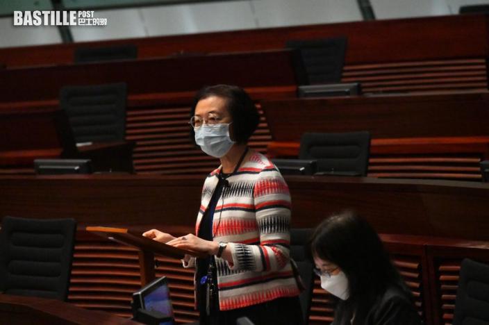議員倡持雙程證人士可打疫苗 陳肇始:正考慮為在港非本地人接種