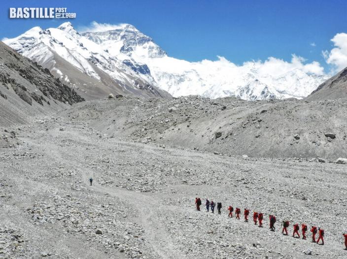 珠峰今年登山季首傳死訊 兩名外國登山客喪命