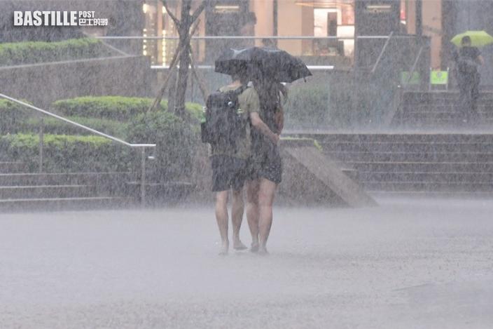 天文台發局部地區大雨提示 屯門區雨勢特別大 料雨量逾70毫米