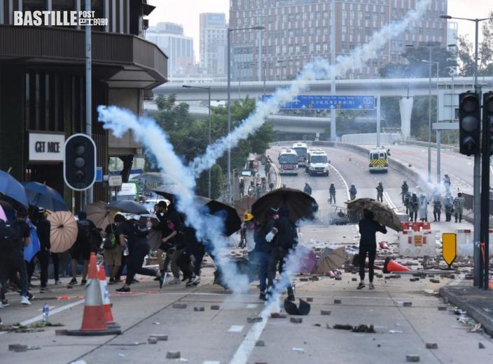 【理大衝突】13人被控暴動押至7月合併處理 4被告申保釋獲批