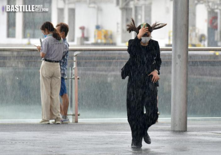 天文台指雷雨帶正從南面靠近本港 未來兩三小時部分地區雨勢可能較大