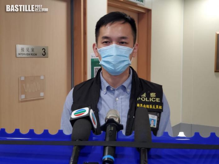 警方凌晨荃灣工廈掃賭拘70人涉聚賭及違限聚令