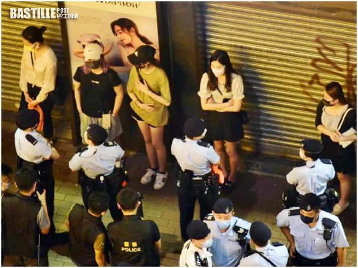 反修例兩周年警旺角拘3青少年 29男女違限聚令收告票