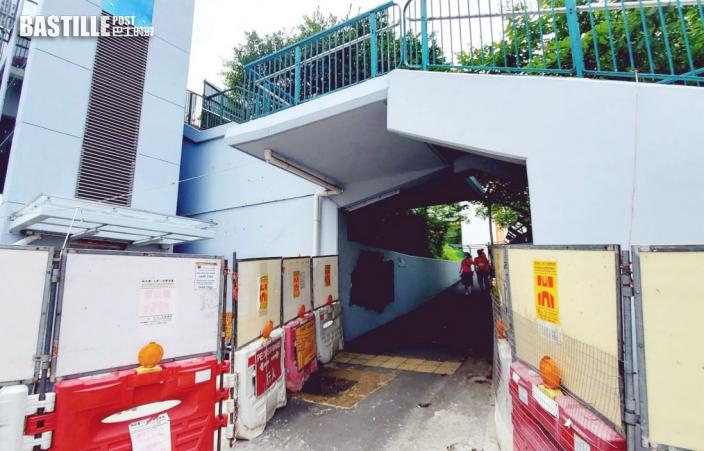 龍翔道橋底牆壁遭塗鴉刑毁 警以膠袋遮蓋字句
