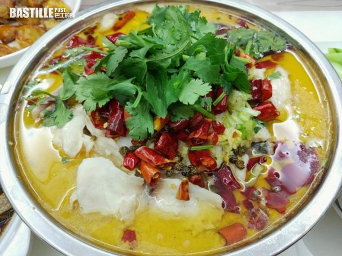 煮酸菜魚僅熱水淥幾十秒 四川男左半肝生滿蟲卵