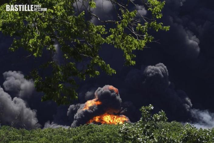 美國伊利諾伊州化工廠大火 危險化學物質恐洩漏