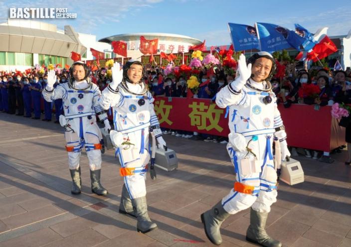 神舟十二號準備發射升空 3太空人進入飛船