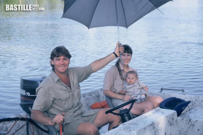 網民發現冇祝爺爺父親節快樂 「鱷魚女」Bindi Irwin爆自幼遭精神虐待