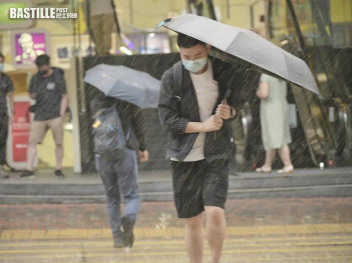 雷雨橫過珠江口 未來一兩小時可能影響本港