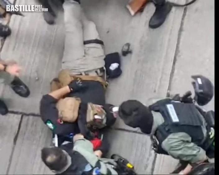 【首宗國安法案】庭上播20分鐘片段 唐駕插「光時」旗電單車撞向警員