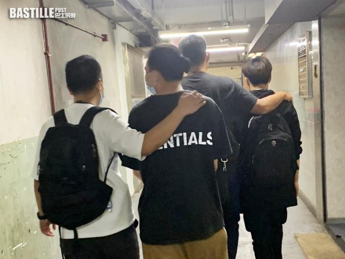 觀塘派對房間違規經營 警拘2負責人票控48男女