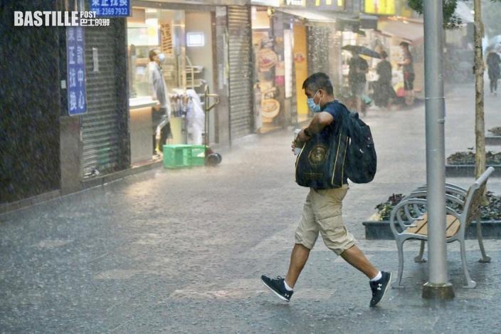 滿意澳門氣象局做到暴雨「預報」 澳官員直指香港為「實報」